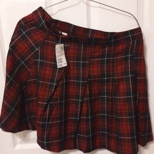 DIVIDED H & M RED PLAID SKIRT